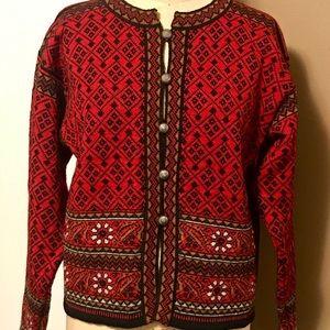 Beautiful Dale of Norway sweater cardigan.